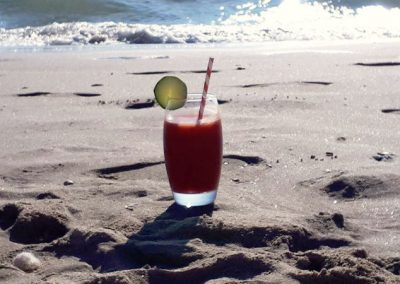 Strawberry smoothie from Waipiqui at the beach